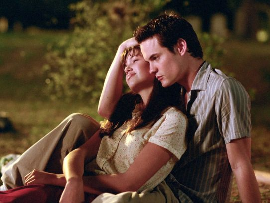 'A Walk to Remember' screenwriter reflects on adaptation, Hollywood's gender bias